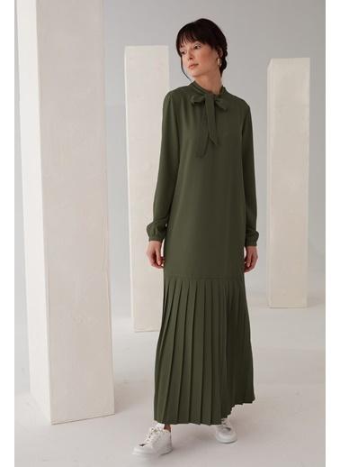 Vivencia Pliseli Boyundan Bağlamalı Elbise Zümrüt Haki